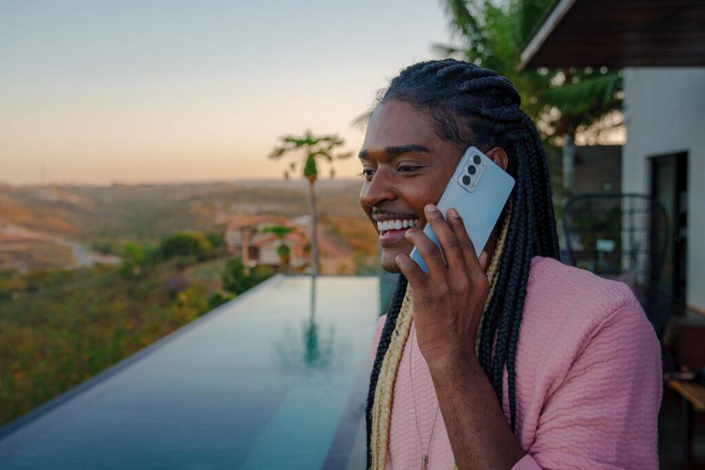 Motorola Edge 20 chega ao Brasil com processador Snapdragon 778G